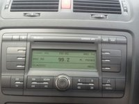 Cd player auto skoda octavia 2 cu mp3 si magazie incorporata 6 cd