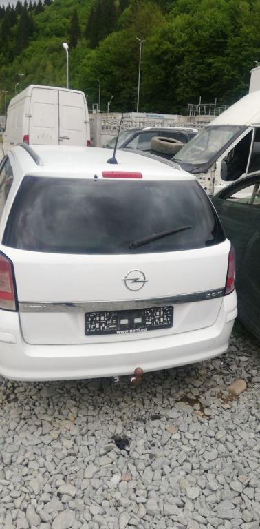 CD player cu navigatie Opel Astra H 2008 break 1,9 CDTI