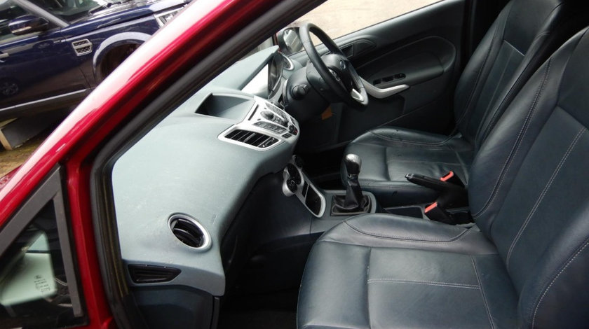 CD player Ford Fiesta 6 2009 Hatchback 1.6 TDCI
