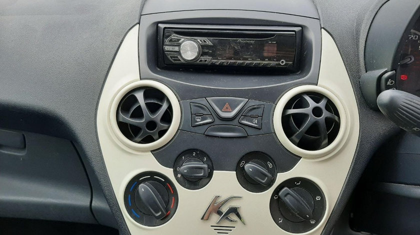 CD player Ford Ka 2009 Hatchback 1.2 i