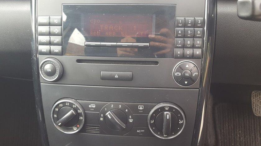 CD Player Mercedes A Class W169 2006