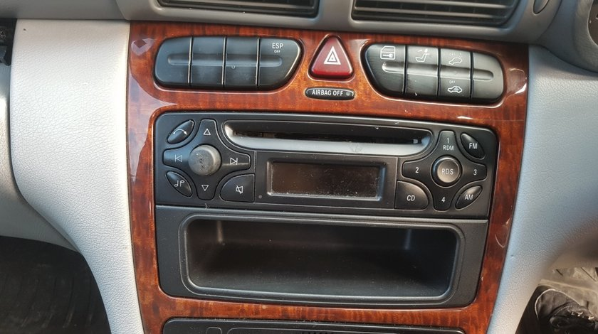 Cd player Mercedes c 220 w 203