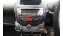 CD player Peugeot 107 2010 Hatchback 1.0i
