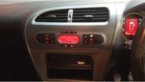 CD player Seat Leon 2 2006 hatchback 1.6