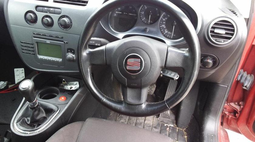 CD player Seat Leon 2 2007 Hatchback 2.0 TDi