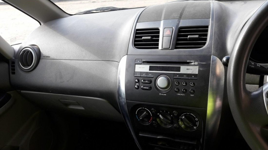 CD player Suzuki SX4 2010 hatchback 1.6