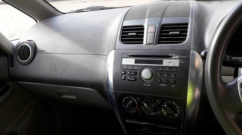 CD player Suzuki SX4 2010 hatchback 1.6