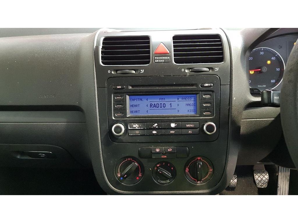 CD player Volkswagen Golf 5 2006 HATCHBACK 1.9