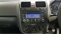 CD player Volkswagen Golf 5 2006 HATCHBACK 1.9