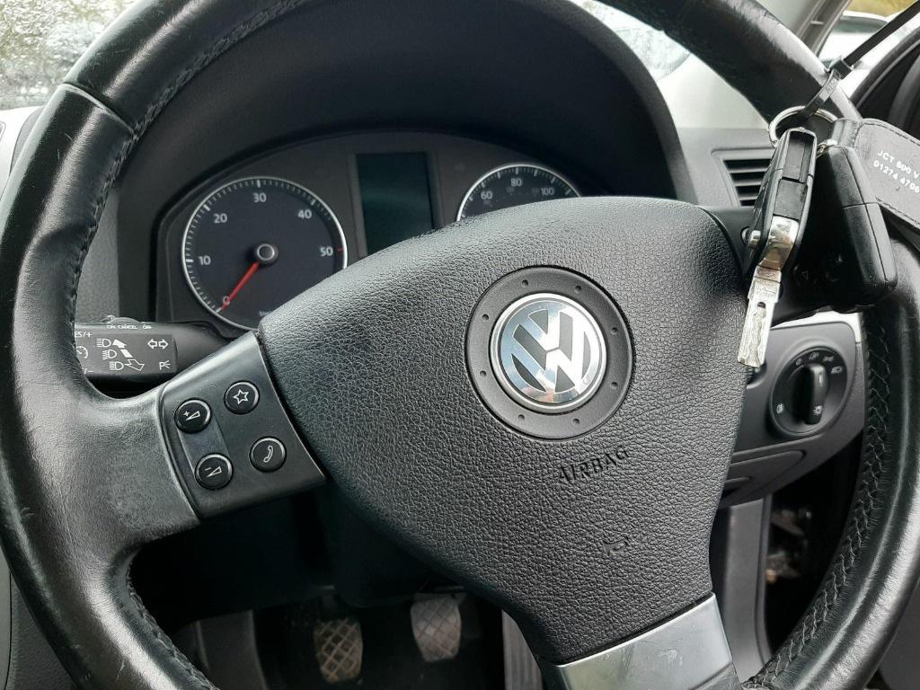 CD player Volkswagen Golf 5 2008 Hatchback 1.9 TDI