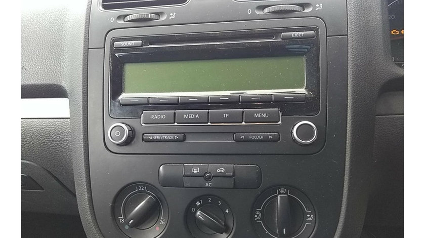 CD player Volkswagen Golf 5 2009 Golf Variant BlueMotion 1.9 TDI Motorina