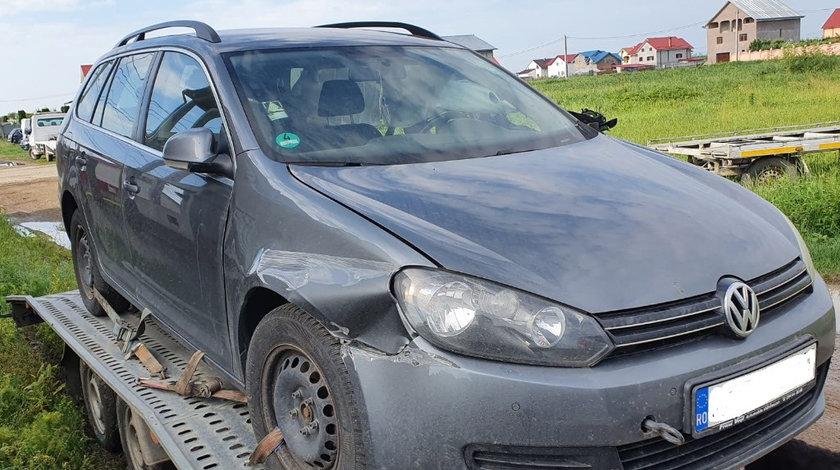 CD player Volkswagen Golf 6 2011 break combi 1.6 tdi CAYC