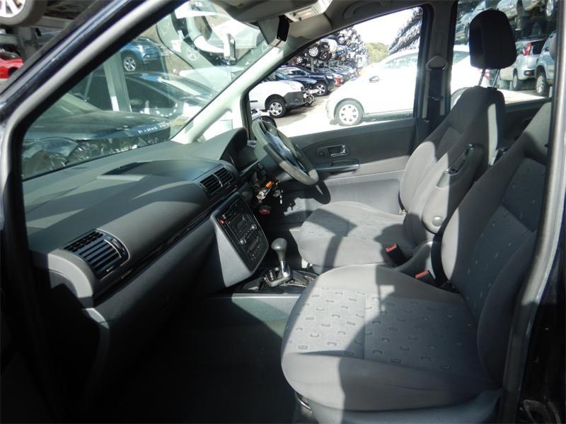 CD player Volkswagen Sharan 2008 MPV 1.9 TDi