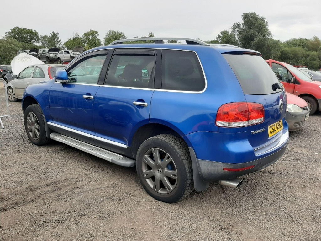 CD player Volkswagen Touareg 7L 2006 SUV 2.5 TDI
