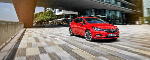 """Ce Bugatti sau Koenigsegg? Un Opel Astra """"a prins"""" 696 de km/h si este cea mai rapida masina din lume"""