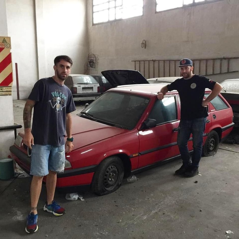 Ce mai descoperire! Mai multe masini Peugeot, Alfa Romeo si Fiat au fost gasite noi-noute in Argentina