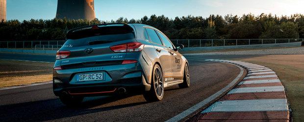 Ce mai transformare pentru masina care concureaza cu Golf GTI! Motorul de doi litri produce acum 313 CP si 498 Nm