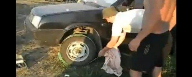 Ce poti face cu o sfoara? Deschizi orice usa si pornesti masina fara baterie!
