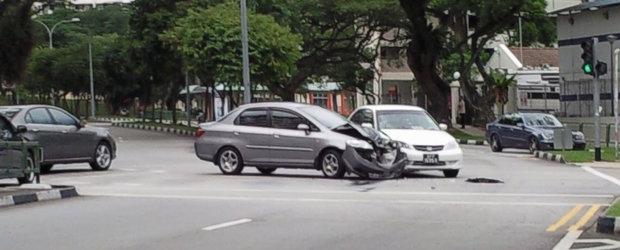 Ce sa faci in caz de accident auto?