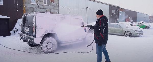 Ce se intampla daca-ti speli masina la -40 de grade Celsius? VIDEO cu cel mai tare experiment de pe internet