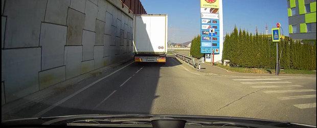 Ce stie sa faca una din cele mai performante camere auto de bord vandute in Romania, DOD LS500W+?