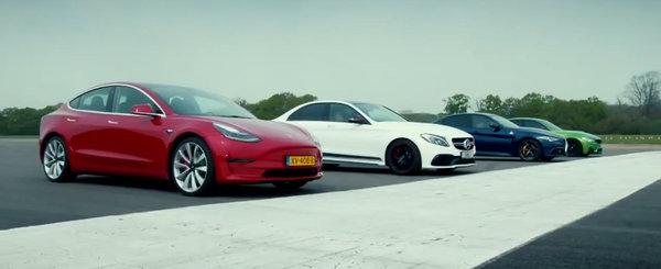 Cea mai ieftina masina de la Tesla se ia la bataie cu toata lumea. Cursa cu M3, C63 S si Giulia QV