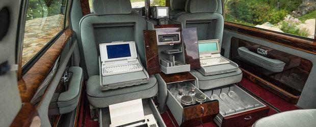 Cea mai luxoasa limuzina de la sfarsitul anilor '80 are un interior greu de descris in cuvinte. POZE REALE
