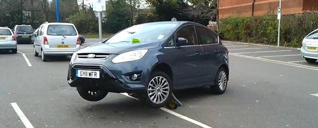 Cea mai tare parcare din lume: Ford C-Max cu rotile in aer