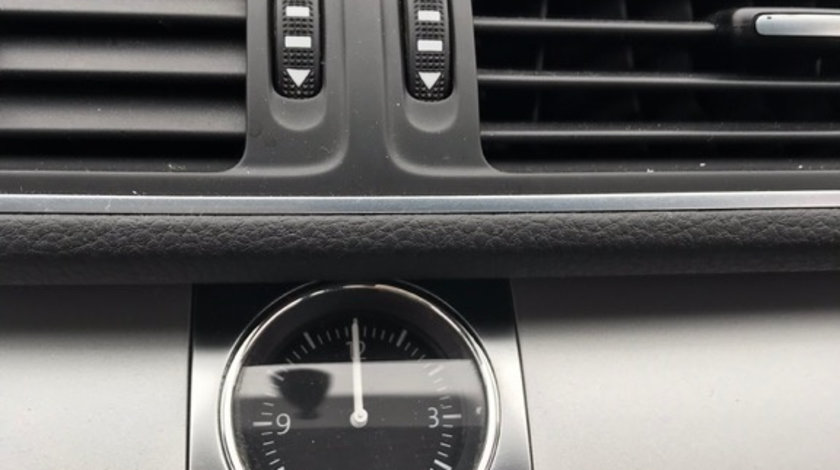 Ceas ora central Volkswagen Passat B7