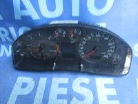 Ceasuri bord Audi A4 2.5tdi Quattro ; 8D0919881