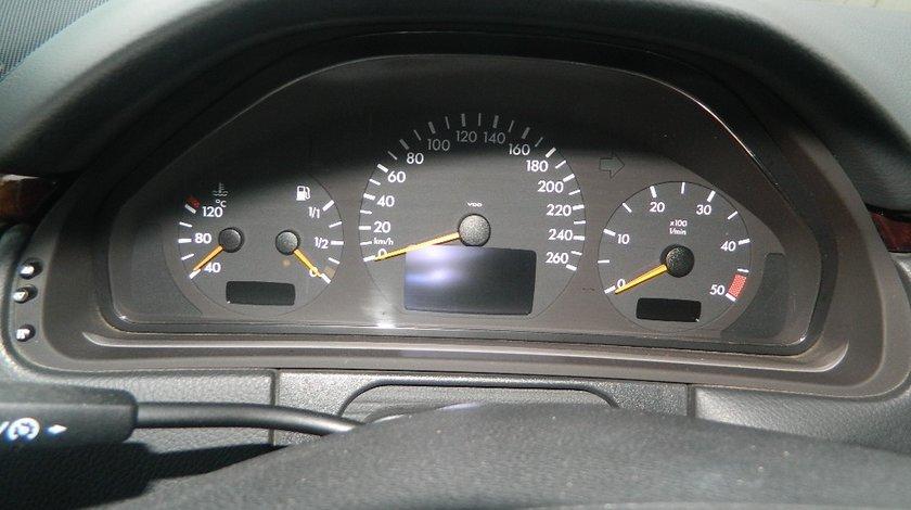 Ceasuri bord Mercedes E-Class W210 3.2Cdi combi model 2000