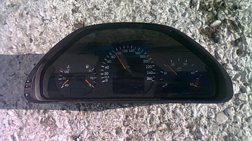 Ceasuri bord Mercedes E200 W210