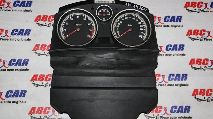 Ceasuri bord Opel Astra H 1.4 B 16 V cod: 13216682 model 2007