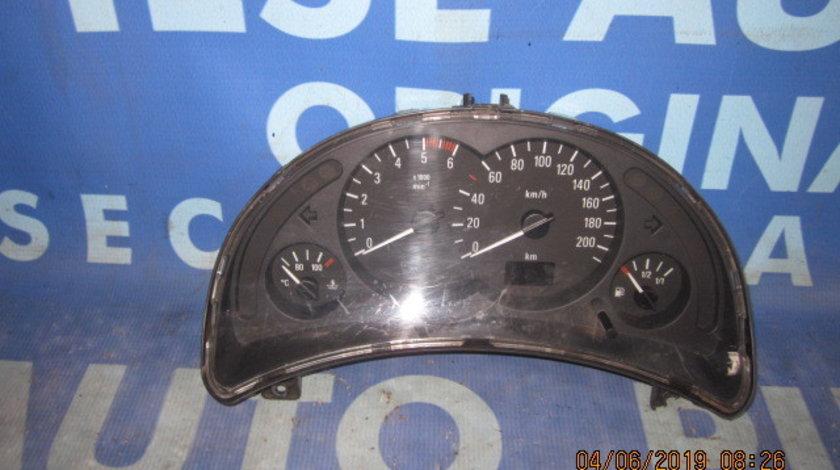 Ceasuri bord Opel Corsa C 1.7dtl (o ureche de prindere rupta)