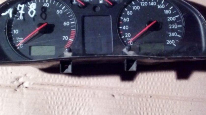 Ceasuri bord Vw passat b5.5 benzina cod 88311245