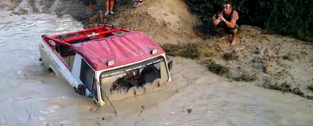 Cehii se mandresc si acum cu masinile romanesti ARO: iata ce au reusit politicienii sa arunce la fier vechi