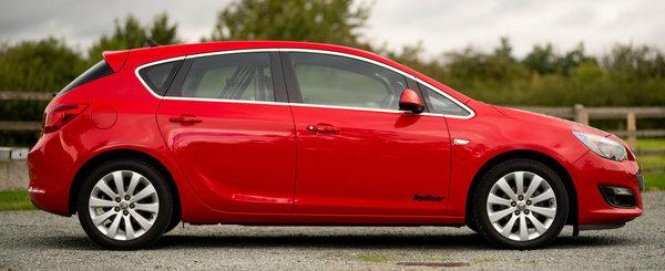 Cel mai cunoscut Opel Astra din lume a fost scos la vanzare. Multi il stiu de la TV