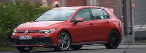 Cel mai puternic Golf cu tractiune fata la care Volkswagen lucreaza zilele acestea a fost surprins complet necamuflat. VIDEO