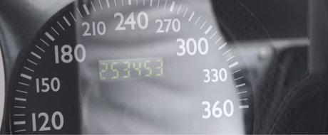 Cel mai rulat Ferrari din toate timpurile are peste 250.000 km la bord. Proprietarul a schimbat pana acum...