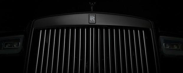 Cel mai scump SUV de serie, acum si negru complet. Motorul V12 mai puternic ca niciodata