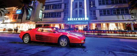 Cel mai tare cadou de Mos Nicolae. Acest Ferrari Testarossa se vinde pe 6 decembrie pentru 325.000 de dolari