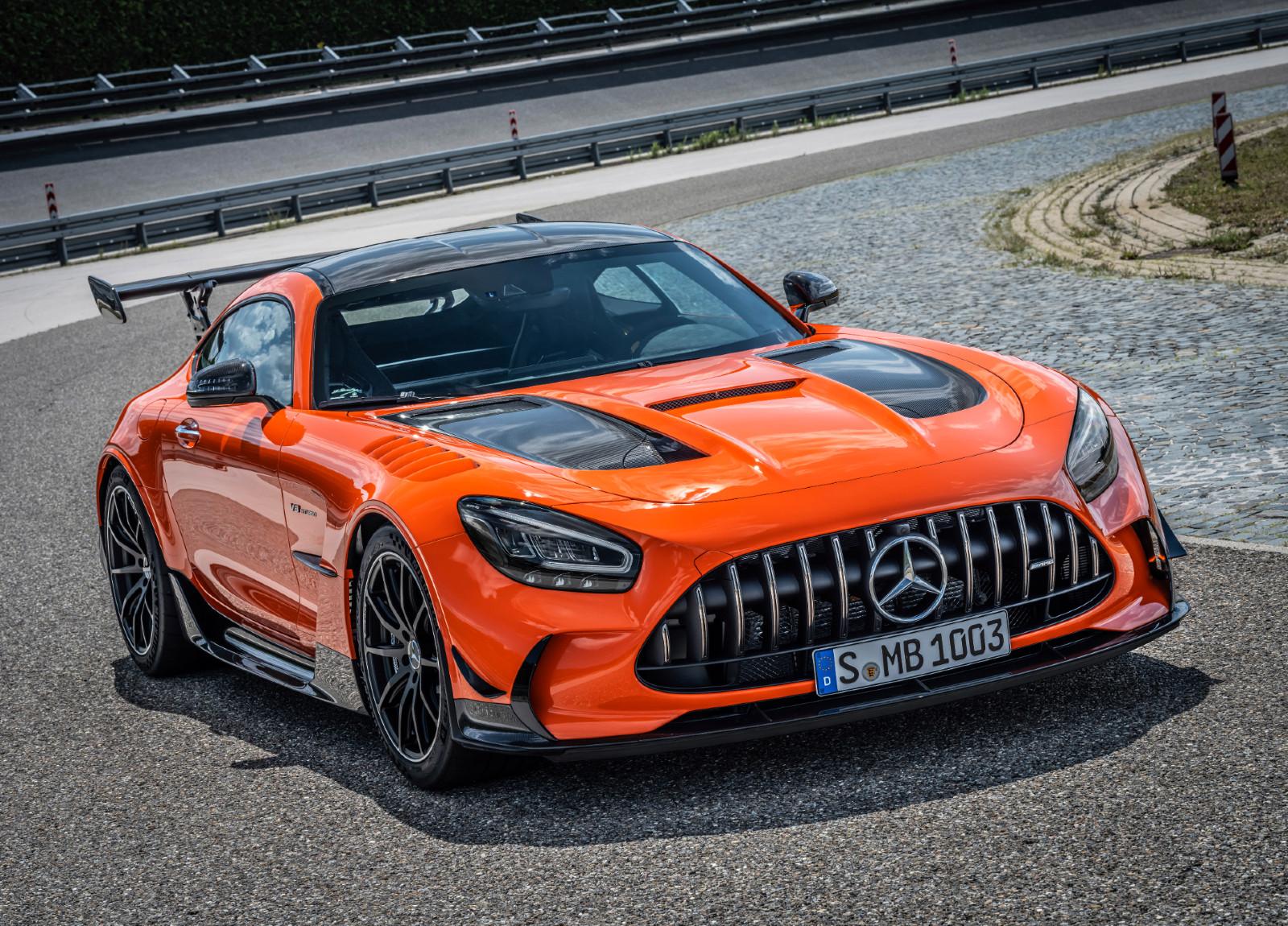 Cele mai puternice Mercedes-uri pe care le poti cumpara acum. Plus cat costa fiecare in Romania - Cele mai puternice Mercedes-uri pe care le poti cumpara acum. Plus cat costa fiecare in Romania