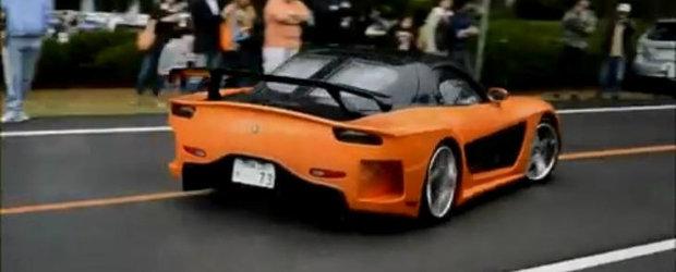 Celebra Mazda RX-7 din Tokyo Drift loveste mai multi oameni la un show auto