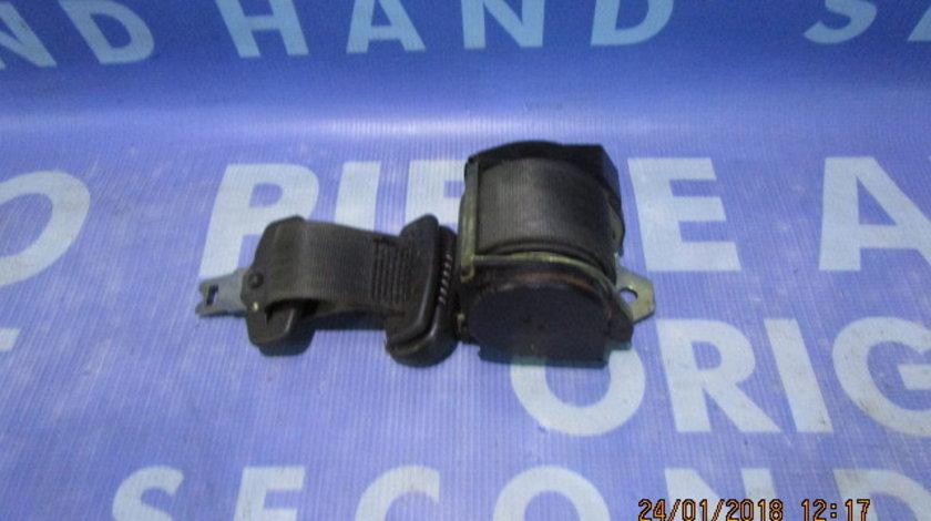 Centura siguranta Fiat Punto ; 33001391 (mijloc); 3-hatchback