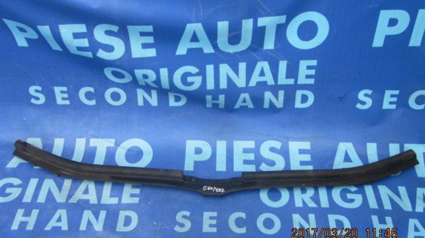 Cheder capota motor BMW E60 ;51117063835-11