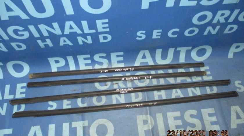 Cheder geam Chrysler PT Cruiser (perii exterior)