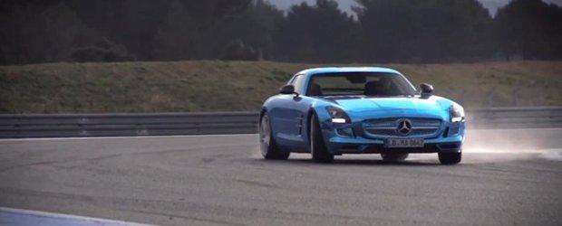 Chris Harris testeaza Mercedes-Benz SLS AMG E-Cell