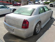 Chrysler 300C tunat in China
