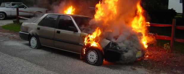 Cinci tiruri si trei masini au luat foc pe centura capitalei