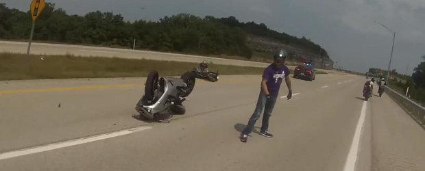 Cine este de vina pentru acest accident: politistul sau motociclistii vitezomani?